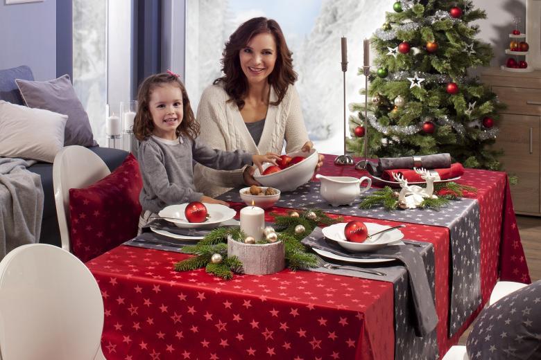 Stimmungsvolle Weihnachten - Der festlich gedeckte Tisch ...