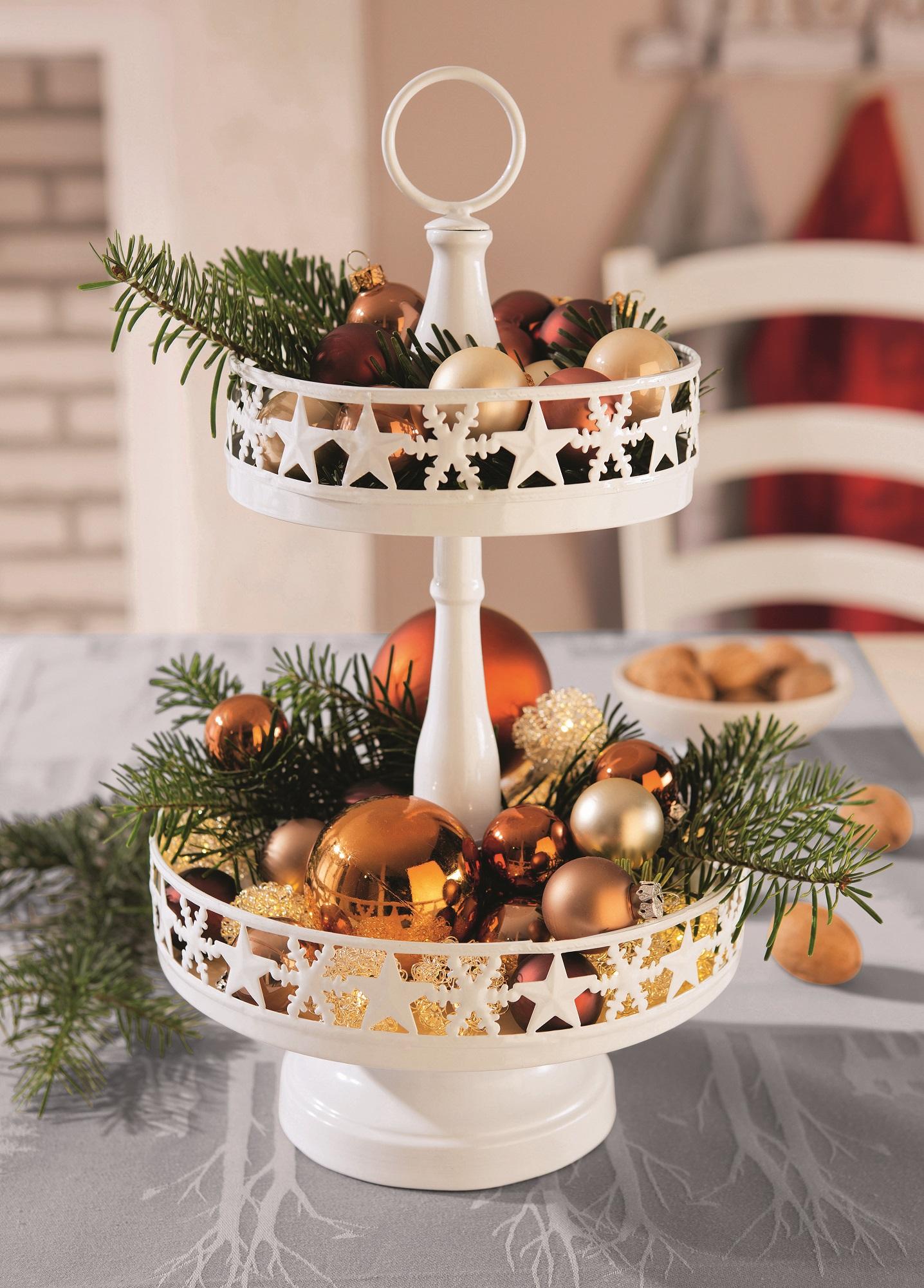 stimmungsvolle weihnachten der festlich gedeckte tisch genusszeit. Black Bedroom Furniture Sets. Home Design Ideas